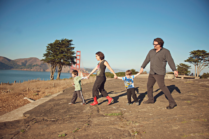 walking_family_bluelily_700